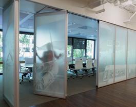 modernfold-acousti-clear-glass