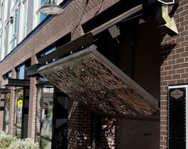 schweiss-industrial-look-vertical-bifold-door