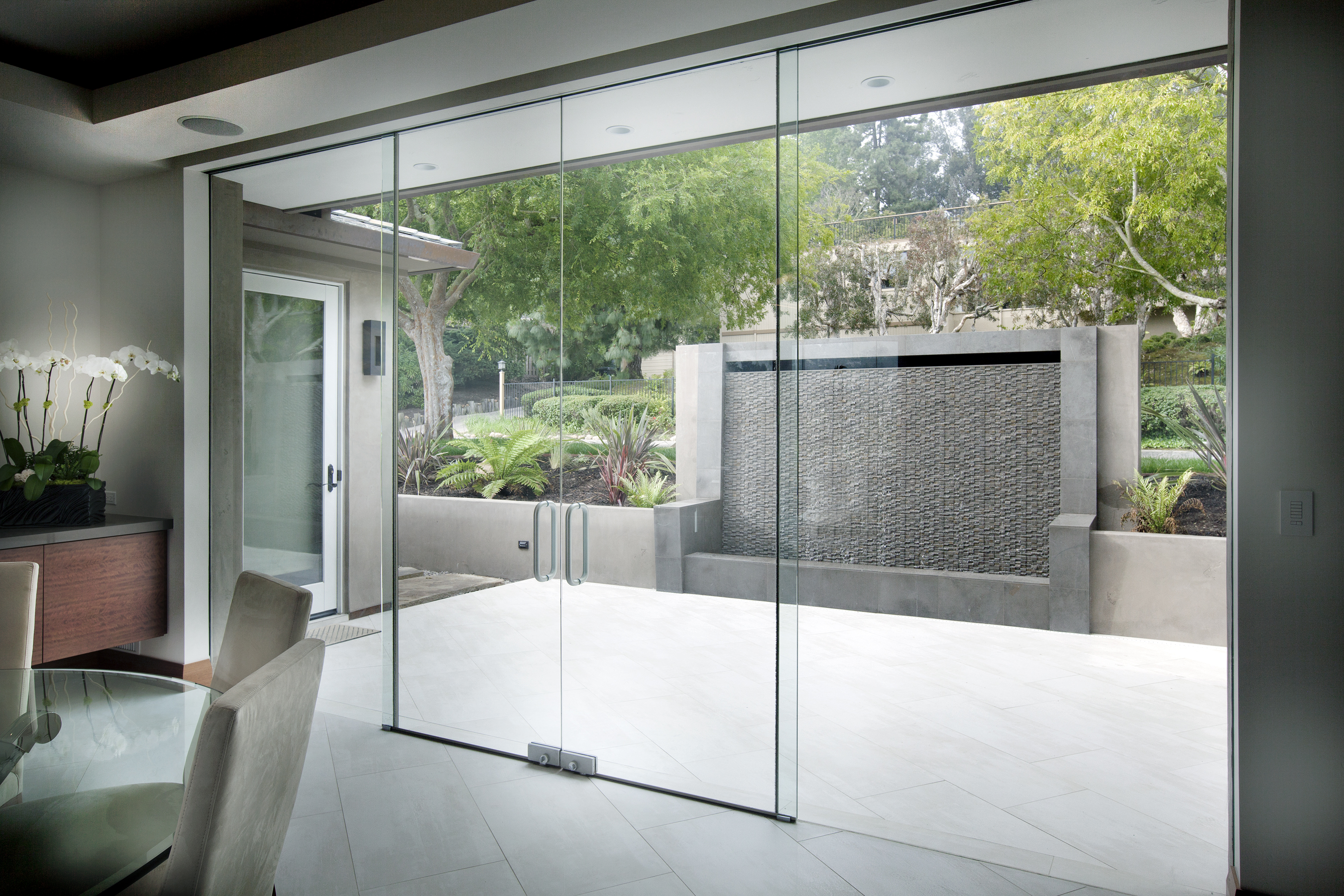 Interior Glass Partitions - Dorma - Interior Tech   Seattle   Portland