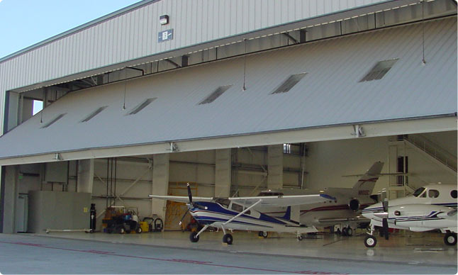 Hangar doors interior tech seattle portland for Door 00 seatac airport