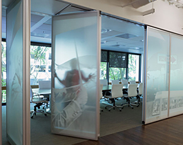 modernfold-acousti-clear-glass